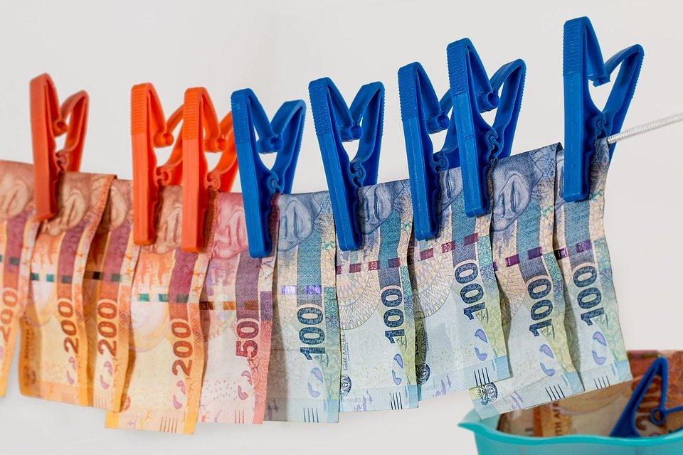 visící bankovky